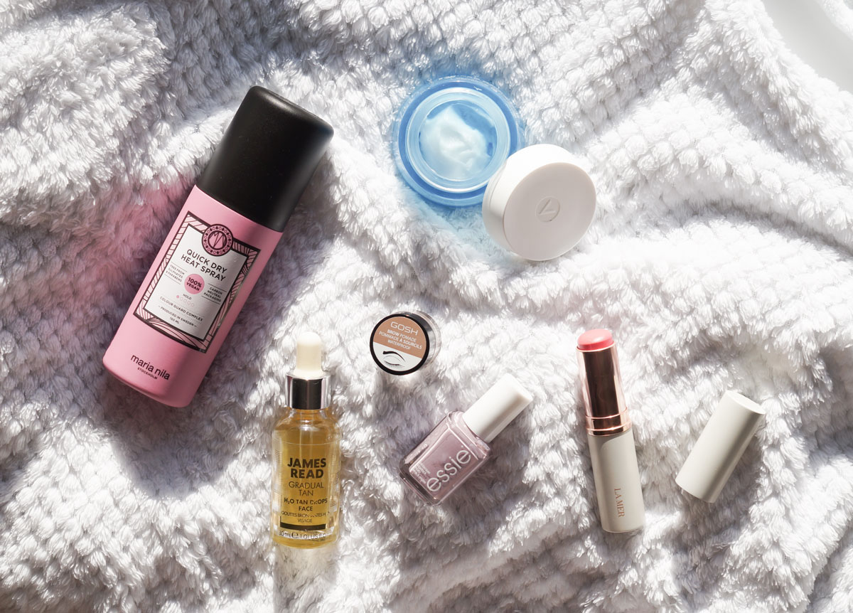 february faves, favoritter, hudpleje, makeup, hårpleje, camilla nørgaard, camilla nørgaard christensen, camillanoergaard, camillanoergaard.dk, maria nila, quick dry heat spray, blow dry spray, heat protection, vichy, aqualia thermal rich, gosh brow pomade, james read, gradual tan h2o tan drops, essie just the way you arctic, la mer Lip and Cheek Glow