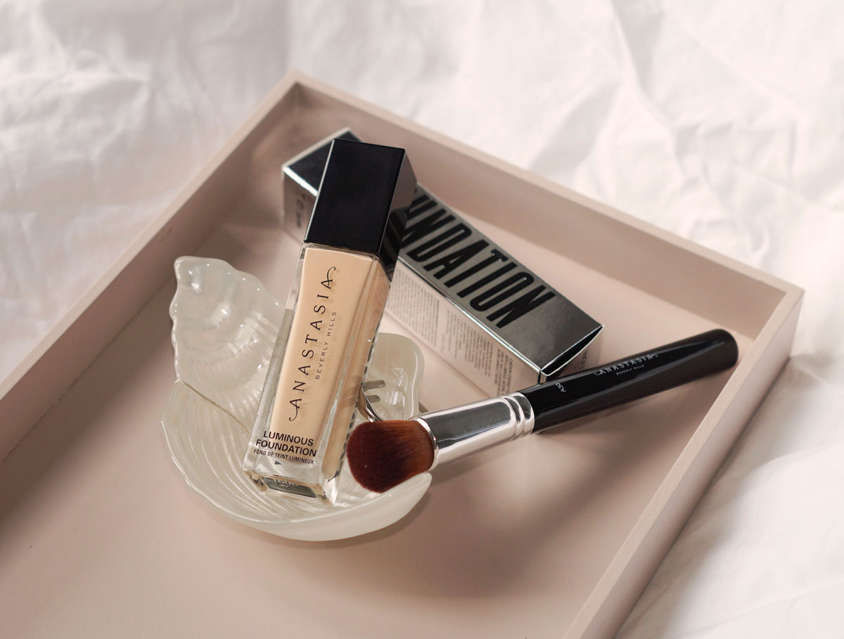 Anastasia Beverly Hills Foundation and A30 Domed Kabuki Brush