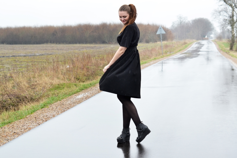 outfit a line skirt acne boots3
