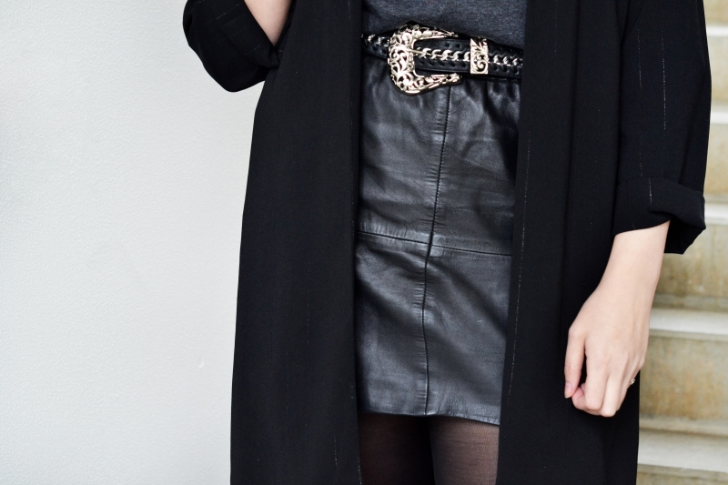 outfit black turtleneck blazer leather skirt1