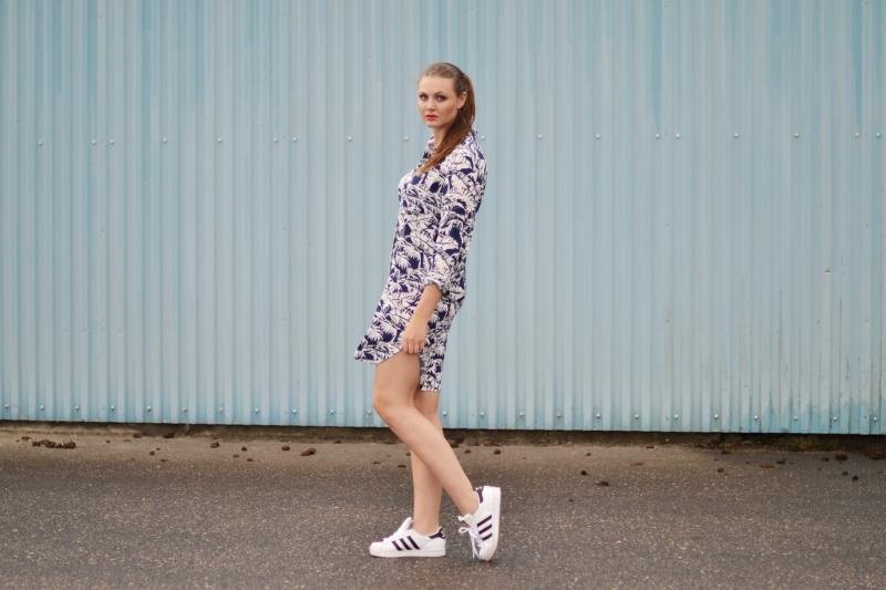 outfit palmeskjorte hvide superstars1