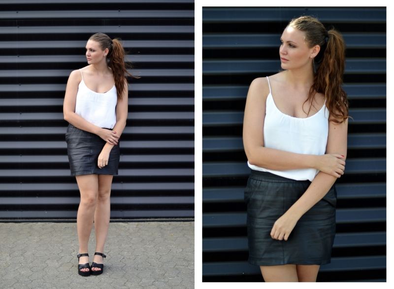 outfit lædernederdel hvid top, sort væg2