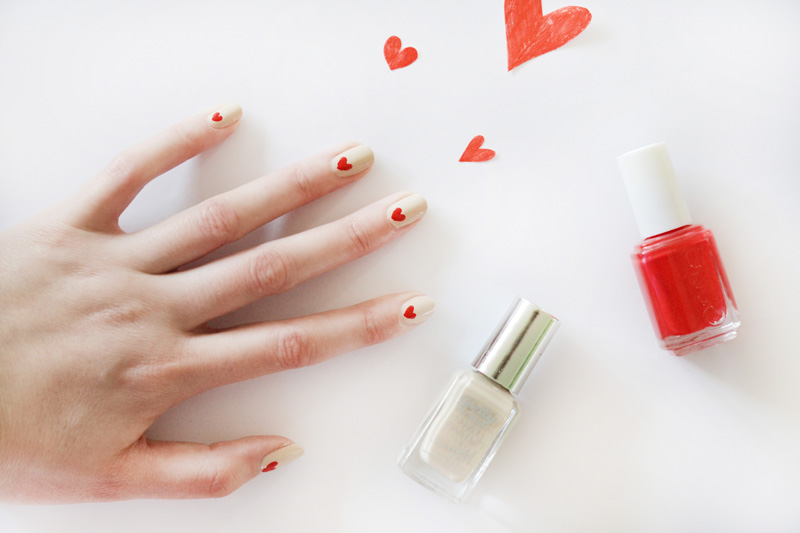valentine nails 3 ways nude nails red hearts1