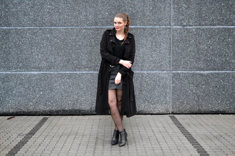 outfit trenchcoat2
