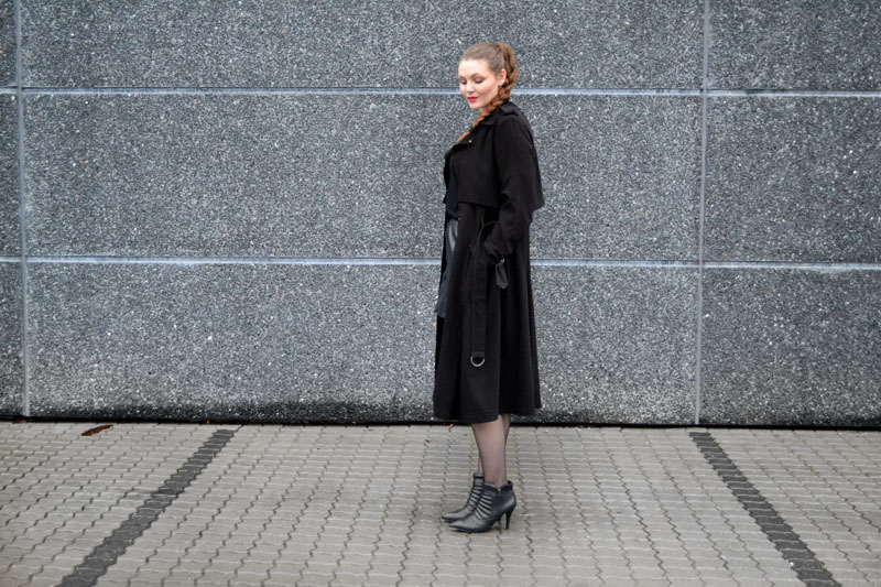 outfit trenchcoat3