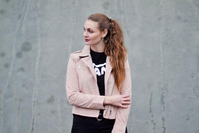 blog-outfit-lyseroed-ruskindsjakke-vans-t-shirt2