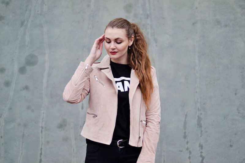 blog-outfit-lyseroed-ruskindsjakke-vans-t-shirt3