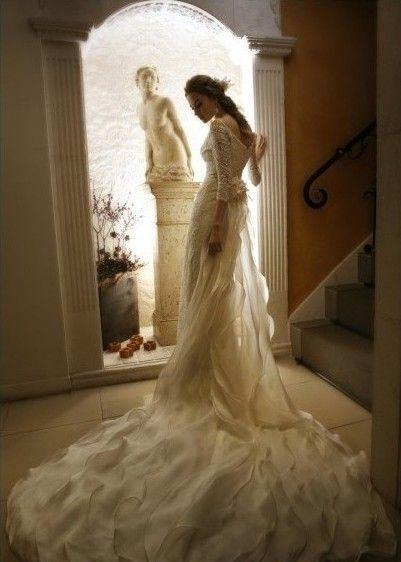 robe  de mariée du Lion longue en dentelle
