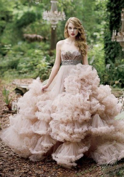robe de mariage du Sagittaire bustier princesse rose