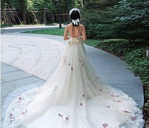 robe de mariée du Verseau dos nu longue