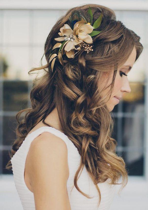 Coiffures de mariage romantique pour longs cheveux