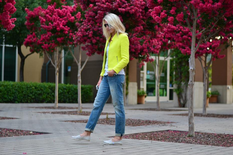 Zara - American Eagle Boyfriend Jeans - Toms Espadrilles