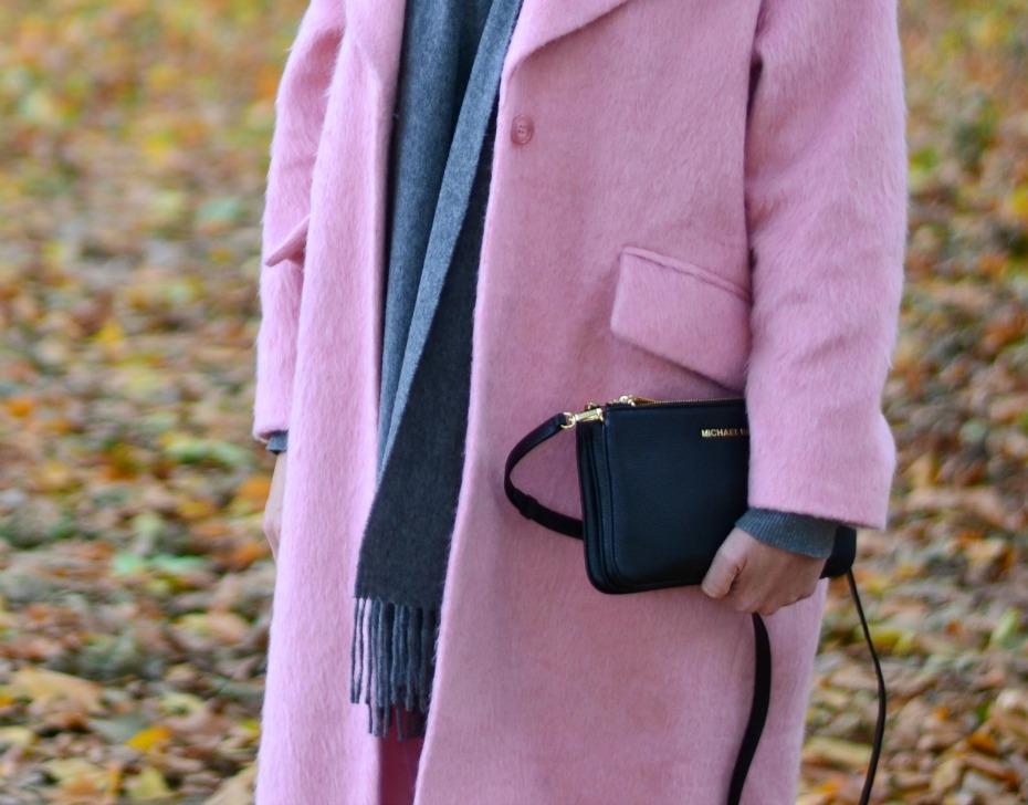 asos pink coat_michael kors trio bag_benetton turtleneck5