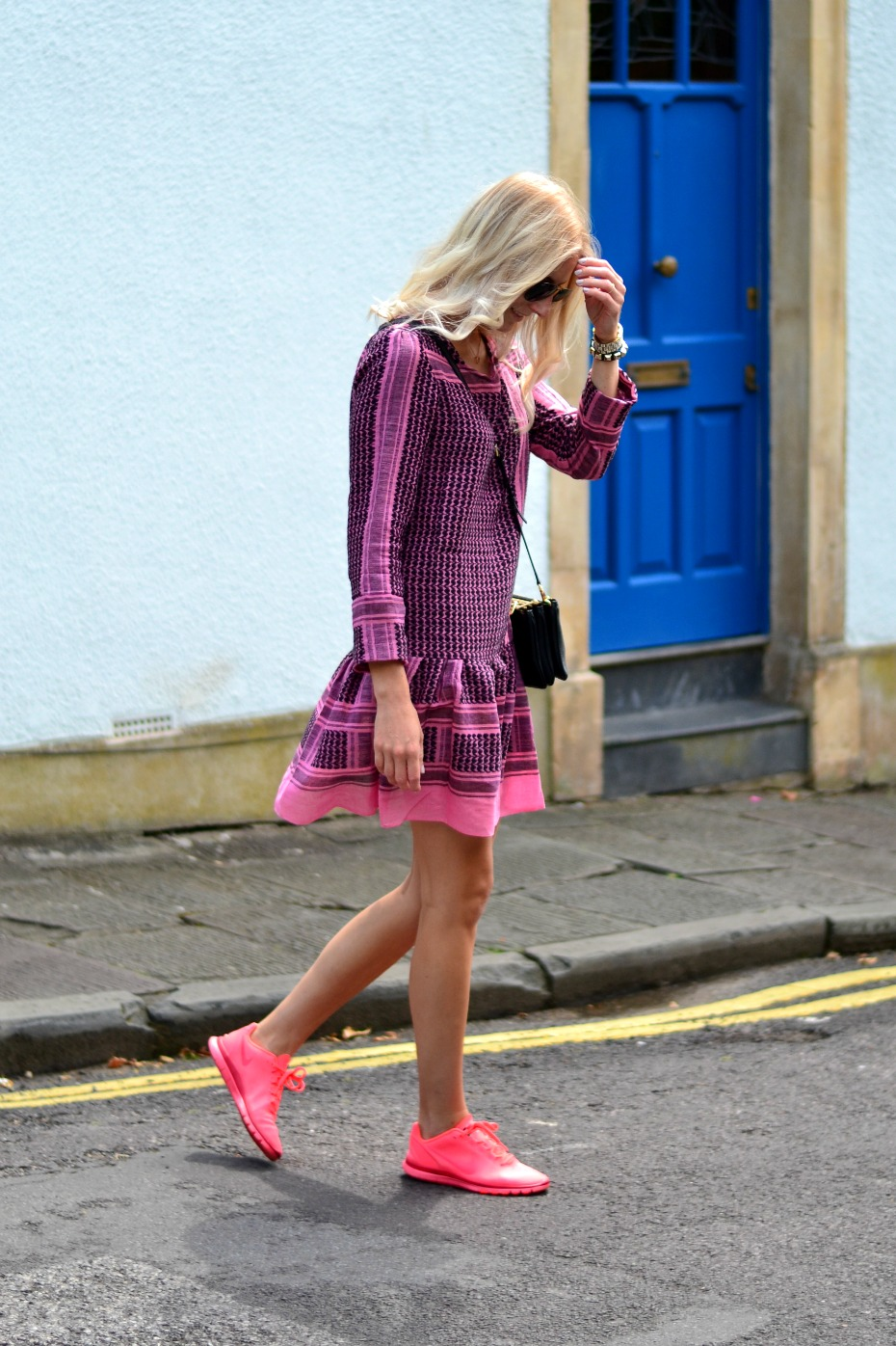 diy partisaner kjole_nike free neon pink1