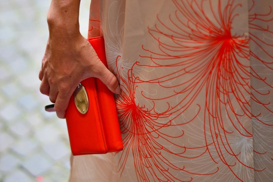 frontrow kimono_chanel espadrilles_mulberry wallet2