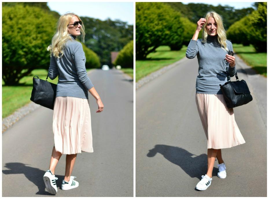 pleaded skirt_adidas superstar_turtle neck_black lily4
