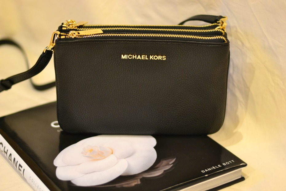 michael-kors-trio-bag.jpg.pagespeed.ce.r_y3yPzdo3