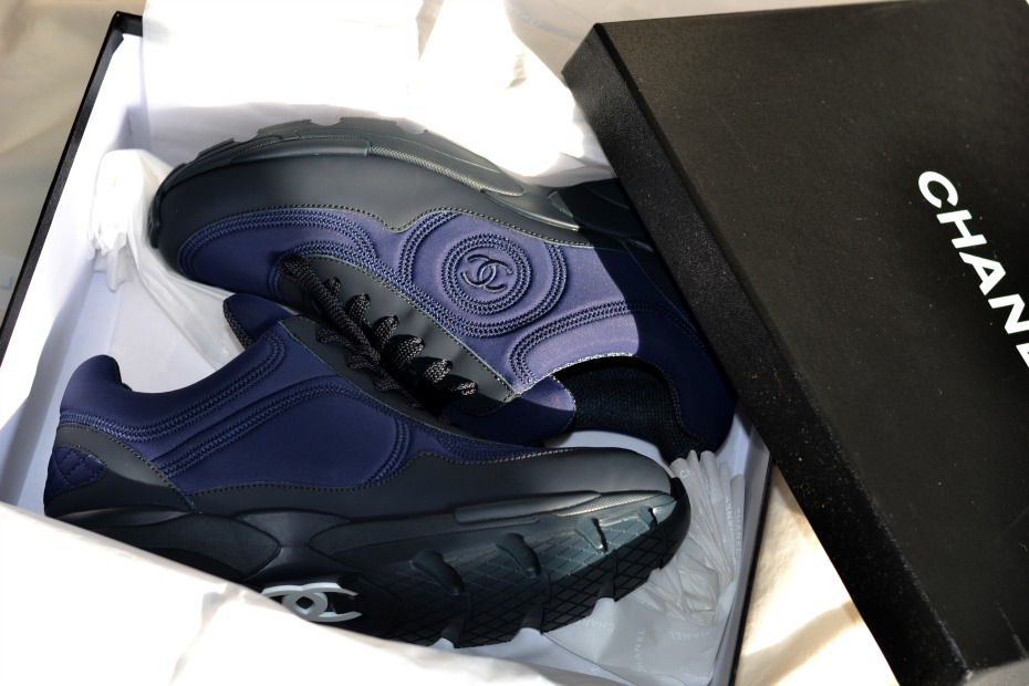 CHANEL trainers_chanel sneakers navi blue.3