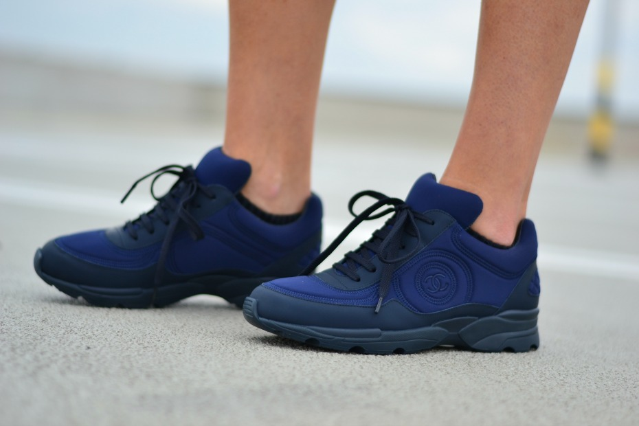 CHANEL trainers_chanel sneakers navi blue.5