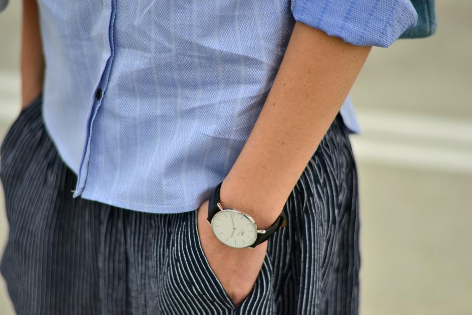chanel trainers_ganni skirt_pieszak shirt_dkny denim bag.1jpg