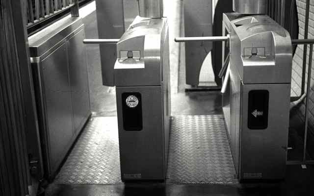 paris-metro-ticket-gates