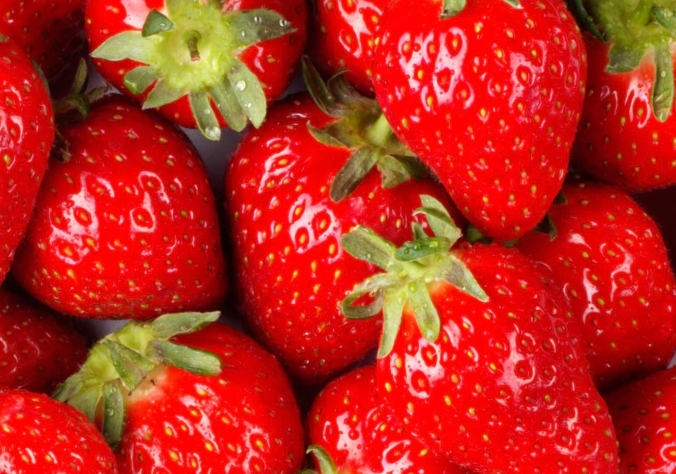 abstract-fruit-strawberrys-colour-size-17114-31837_medium