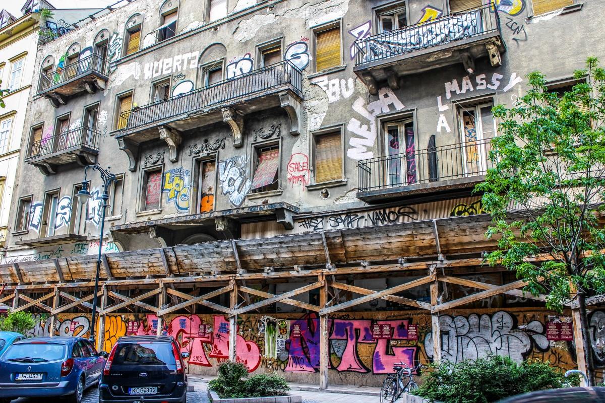 kazinczy_street_budapest_01