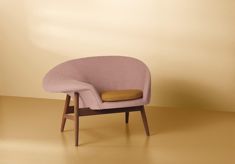 2201055-warmnordic-furniture-friedegg-loungechair-teak-palerose-darkorchre-01-vyellow