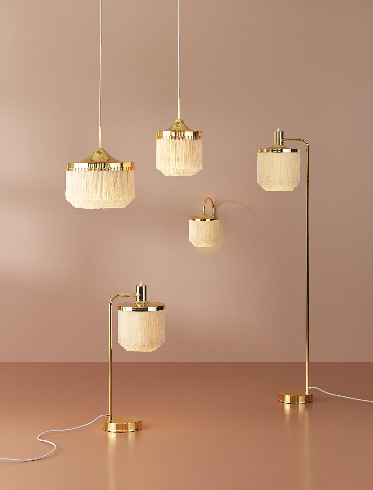 warmnordic-lighting-fringe-lamps-creamwhite-family-vnude