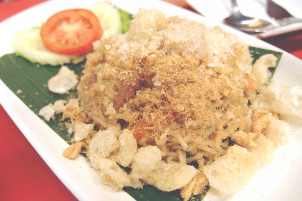 som tam nua fried rice noodles bangkok