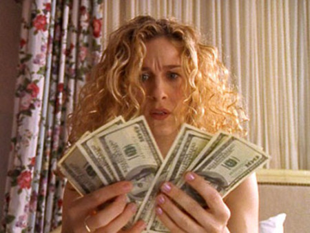 carrie-bradshaw-debe-dinero1
