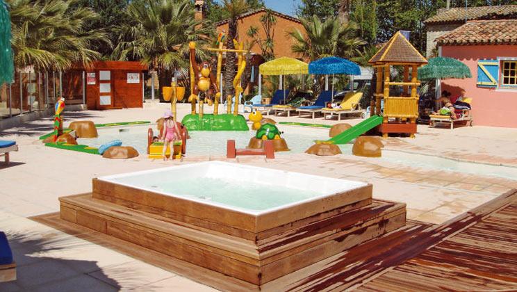 rv021-port-grimaud-holiday-marina-campsite-riviera-kids-pool-b_tcm21-47532