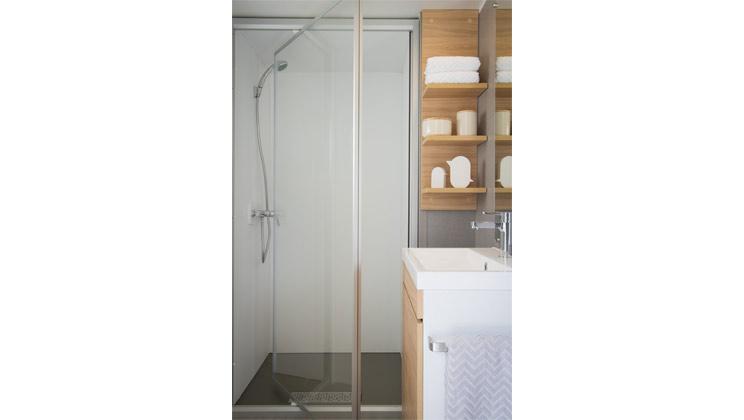 azure-3-bed-bathroom_tcm21-65471